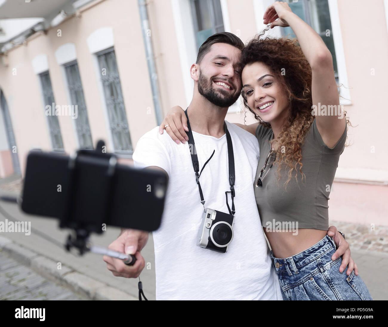 Bon voyage couple, selfies humeur romantique. Banque D'Images