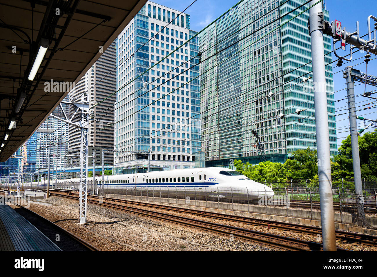 L'île de Honshu, Japon, Tokyo, Kanto, une exécution Shinkansen de Tokyo. Photo Stock