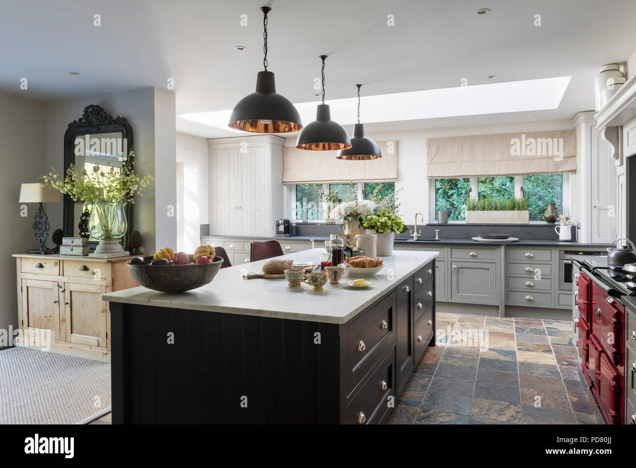 L\u0027île de cuisine sur mesure par Thomas Ford \u0026 Sons est peint