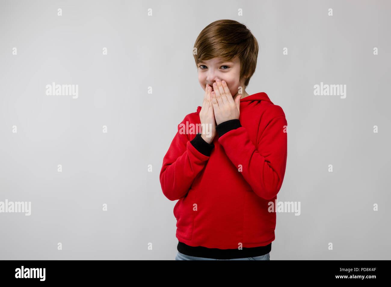 Teenage boy dans des vêtements à la mode Photo Stock