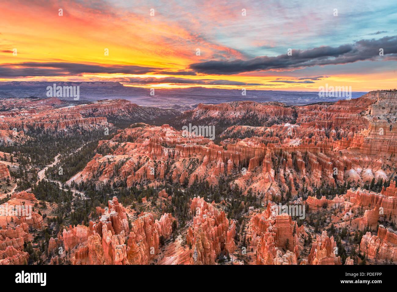 Bryce Canyon National Park, Utah, USA à l'aube. Photo Stock