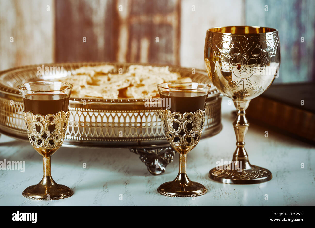communion table photos & communion table images - page 8 - alamy
