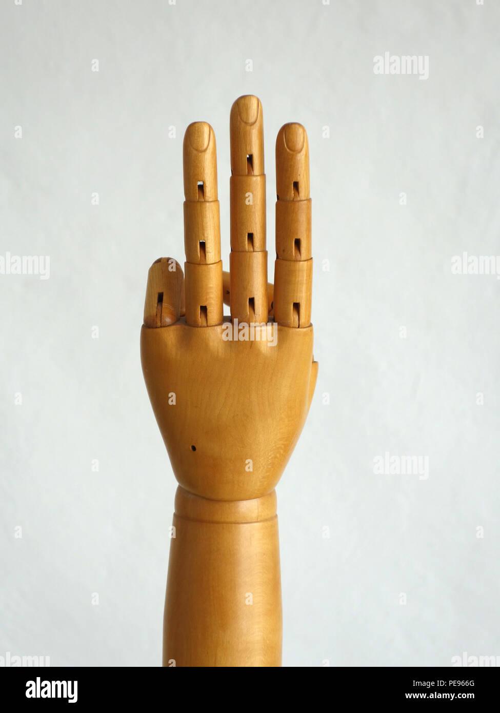 Les gestes de main en bois mannequin Photo Stock