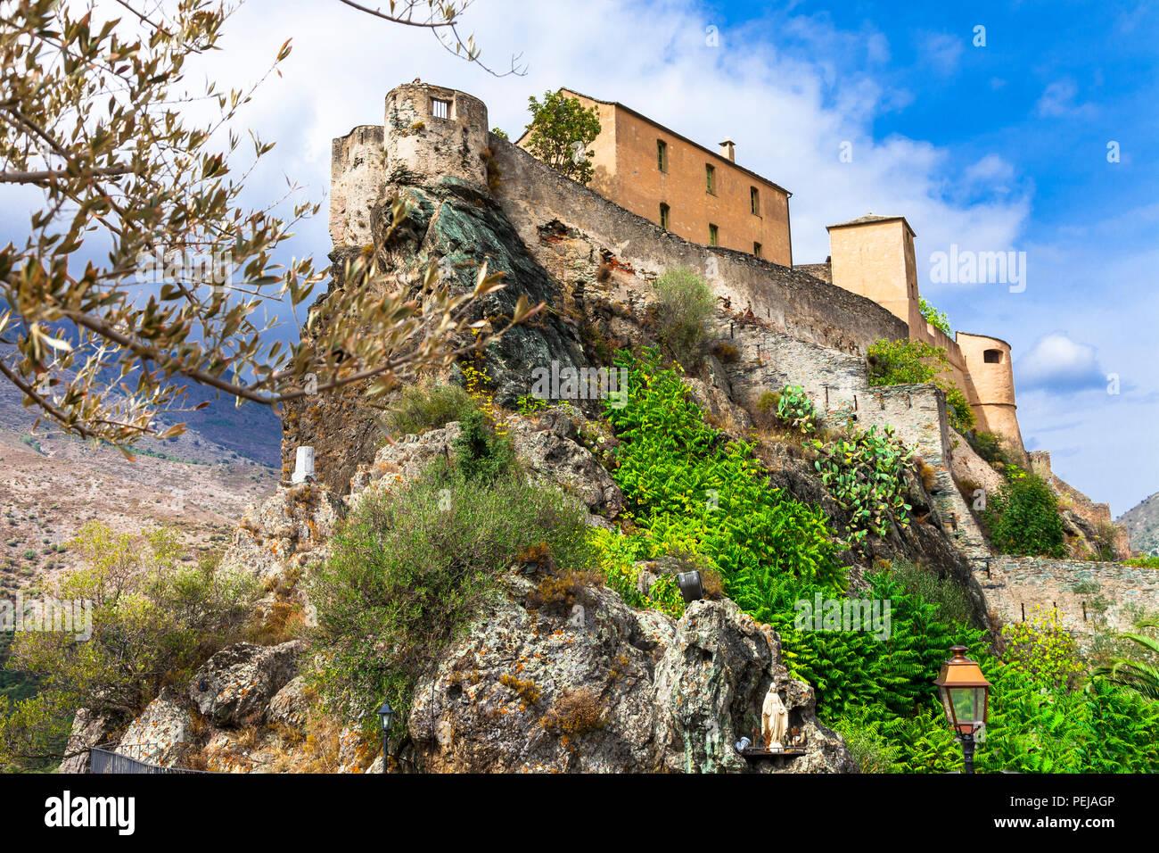Impressionnante forteresse à Corte village,Corse,France. Photo Stock