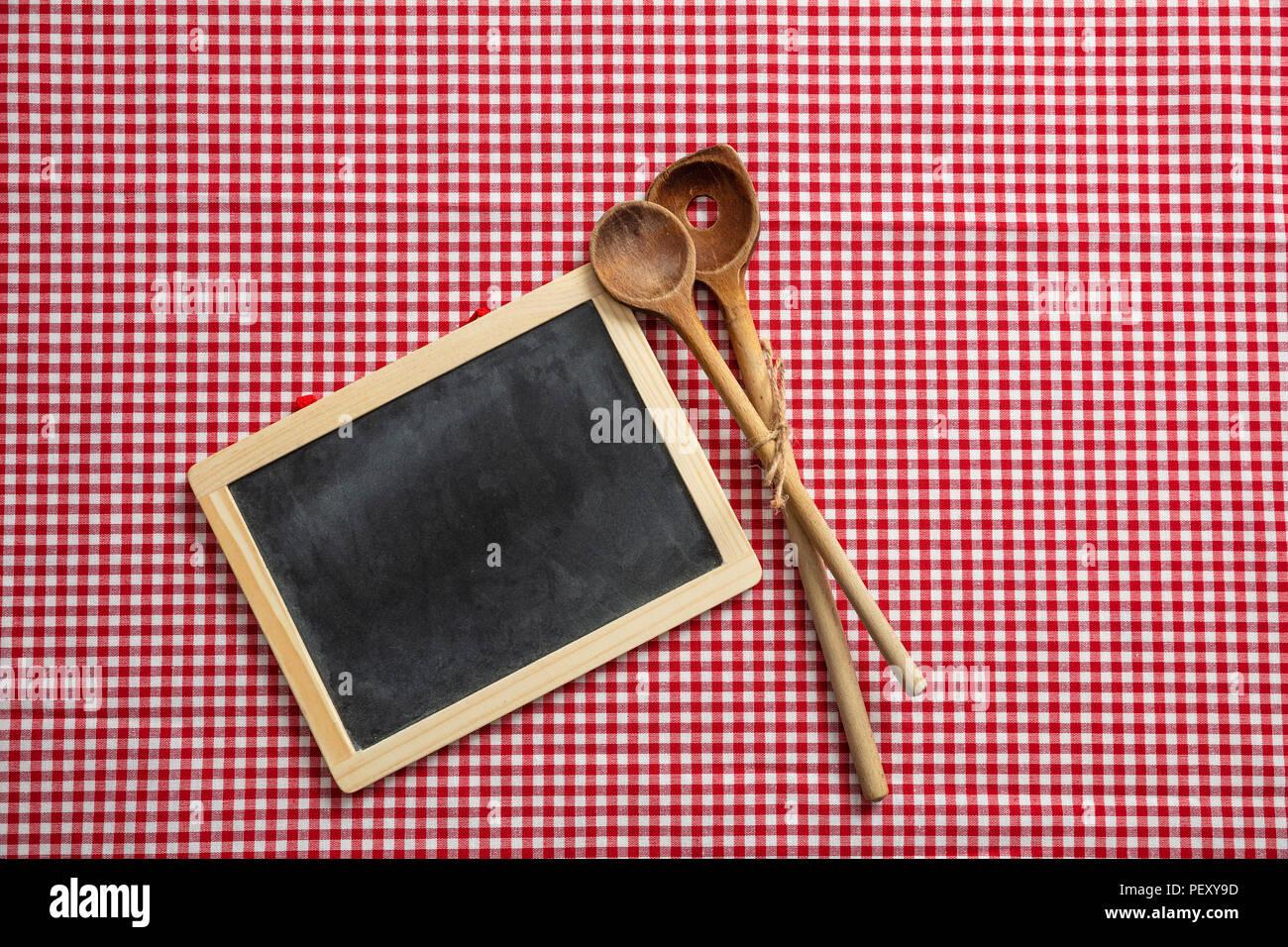 Concept De Menu Des Ustensiles De Cuisine En Bois Et Tableau Noir