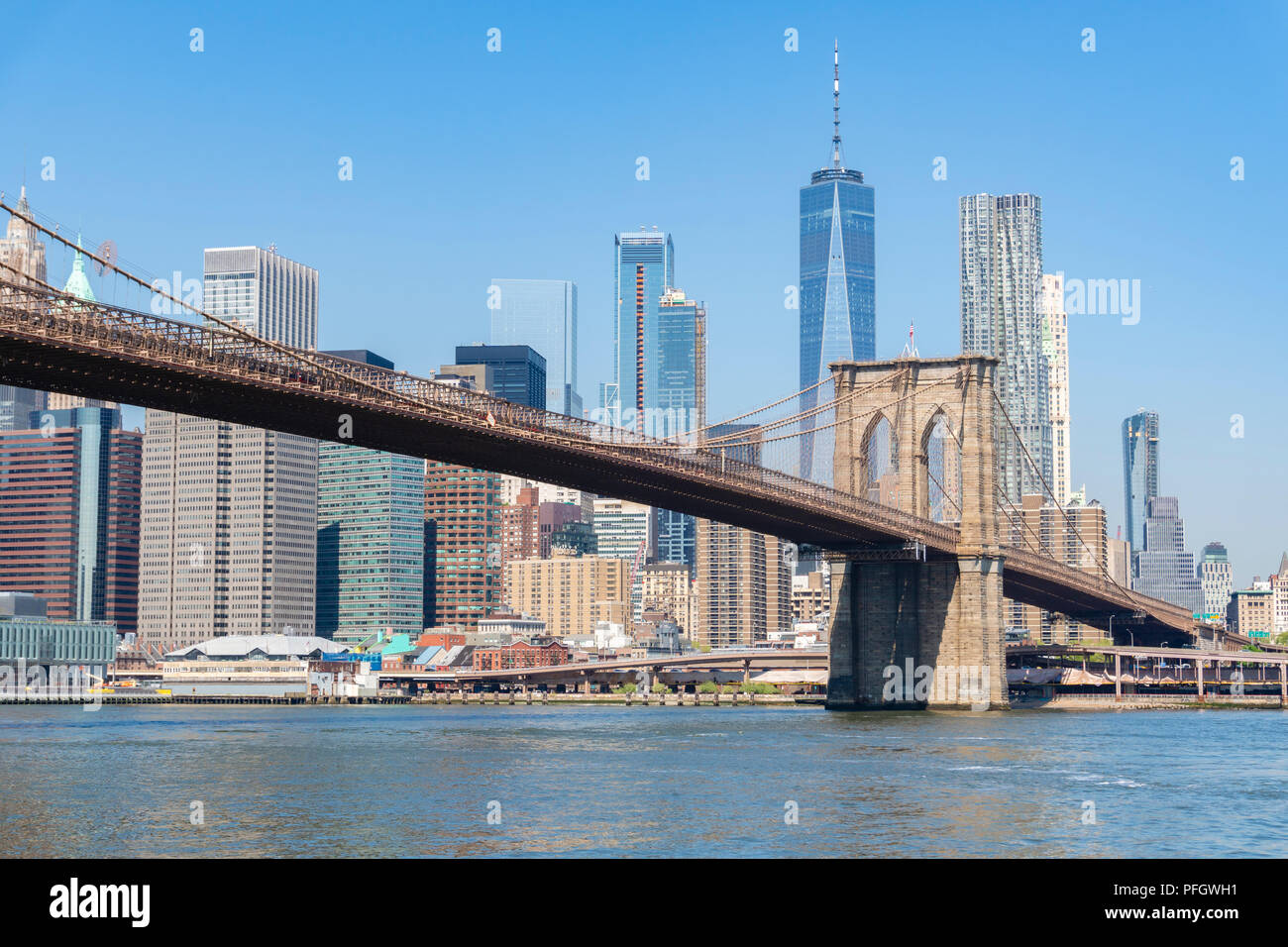 Manhattan et Brooklyn Bridge dans journée Photo Stock