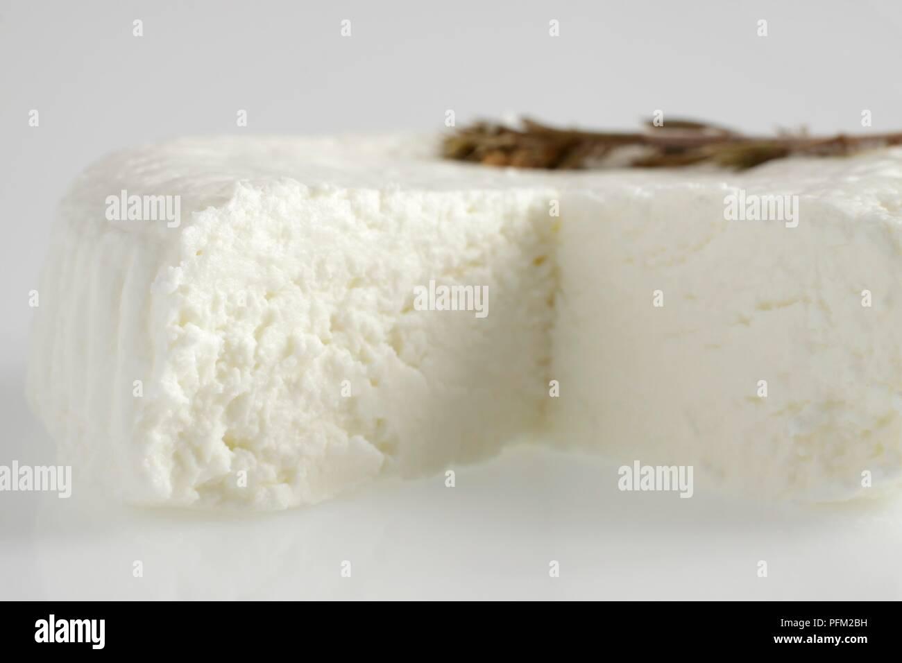 Meubles de série d'un Banon fromage de chèvre la sarriette Photo Stock