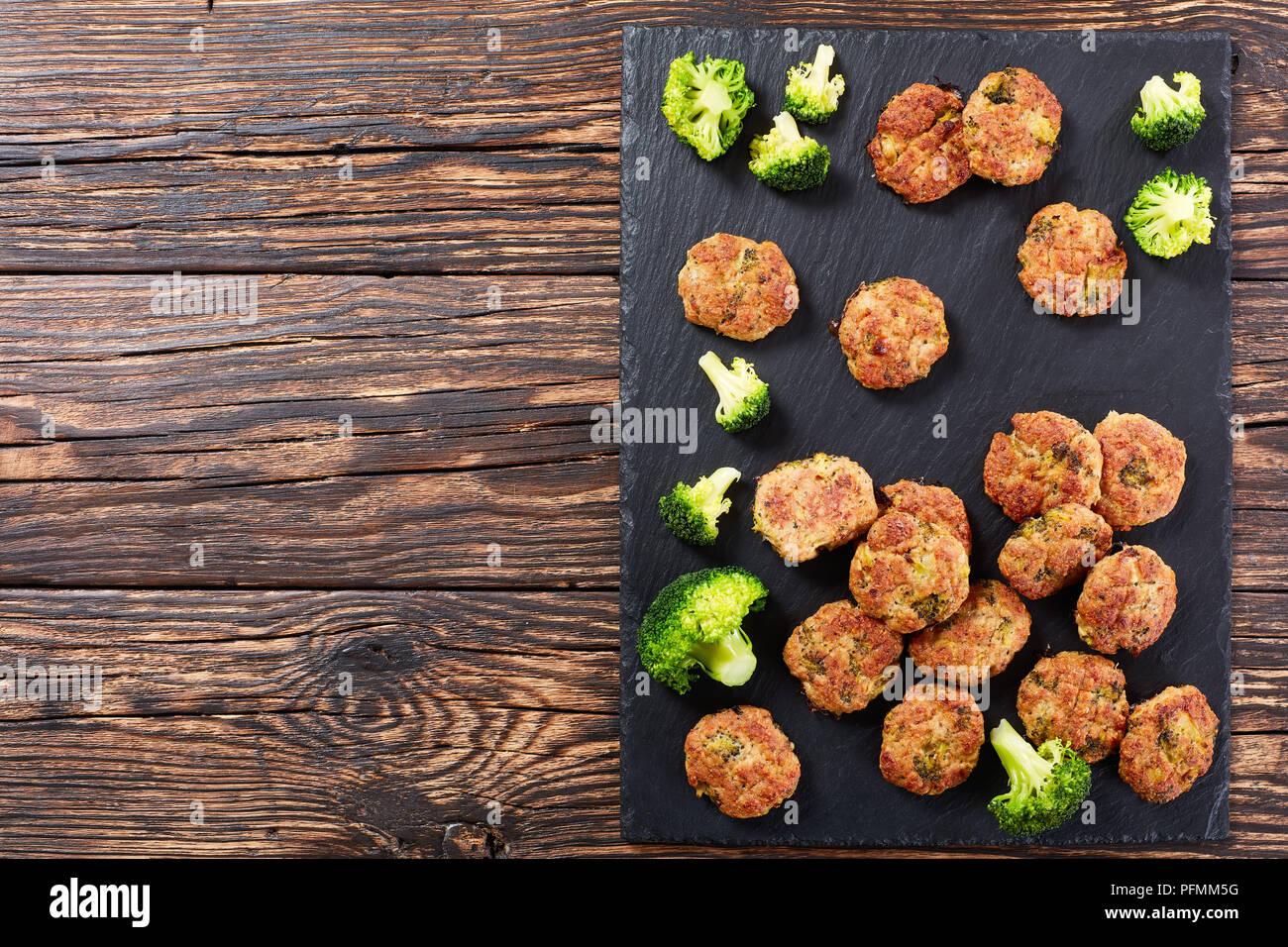 Beignet De Brocolis Au Four délicieux poulet au four boulettes de brocolis avec du