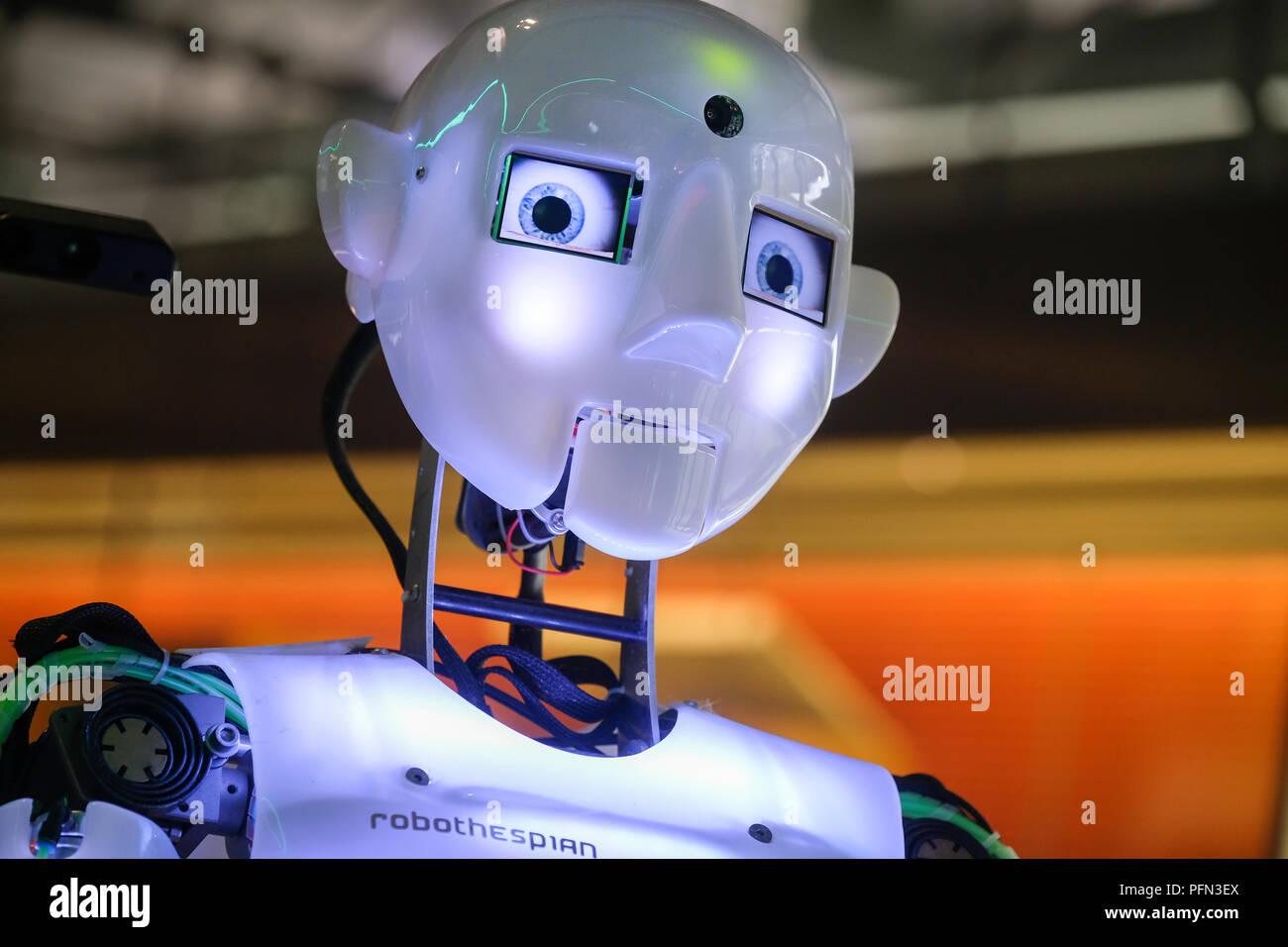 Chef d'un des humanoïdes parlant, chantant et dansant robot à l'intelligence artificielle à l'Heinz Nixdorf MuseumsForum (HNF) dans la région de Paderborn, Allemagne Photo Stock