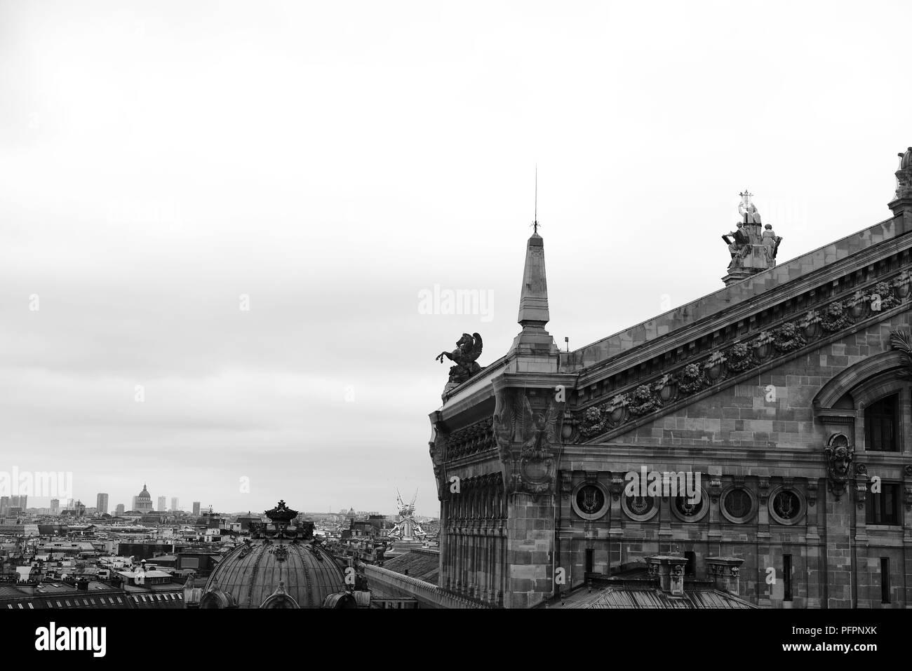 ee503761710 La photographie noir et blanc des monuments de Paris France Banque D ...