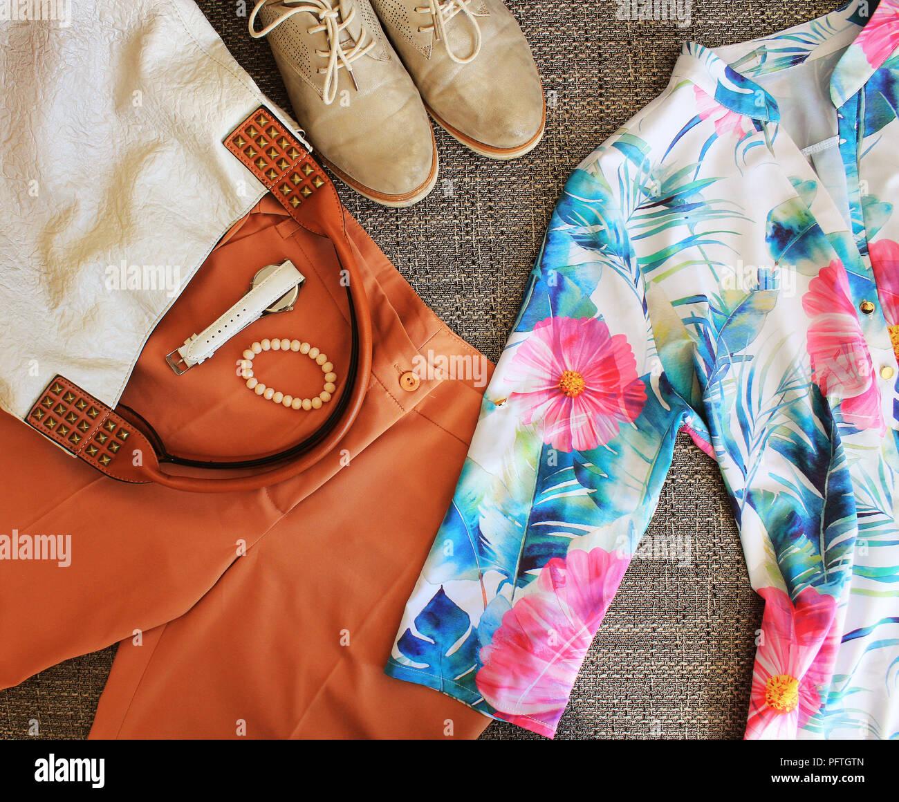 rechercher les plus récents meilleur site web Nouvelle liste Femme d'automne tenue. Ensemble de vêtements, chaussures et ...