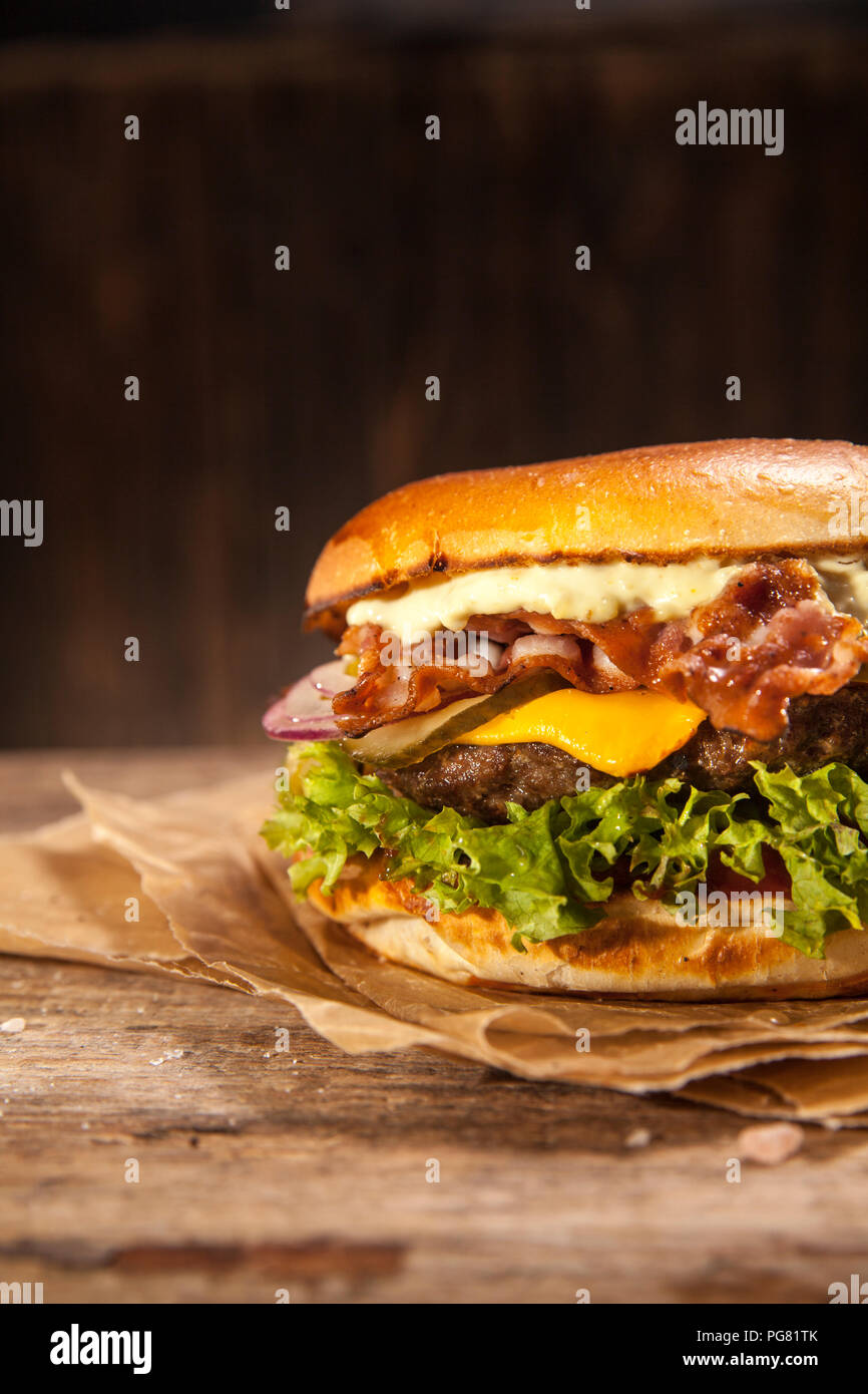 Bacon burger au fromage Photo Stock