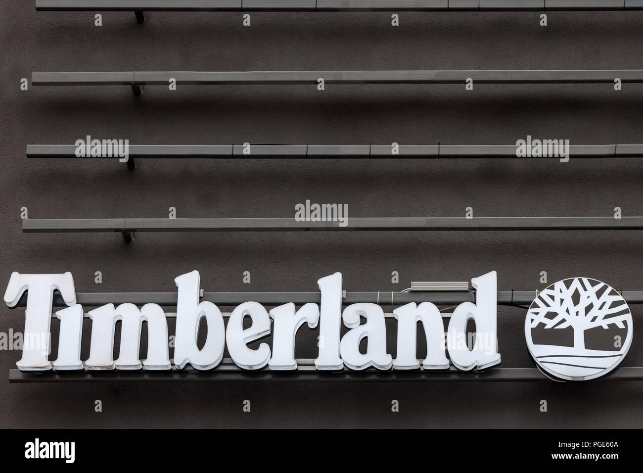 BELGRADE, SERBIE - août 21, 2018: Timberland logo sur leurs principaux shop pour Belgrade. Timberland est un fabricant et détaillant de mode, j'ai spécialisé Photo Stock