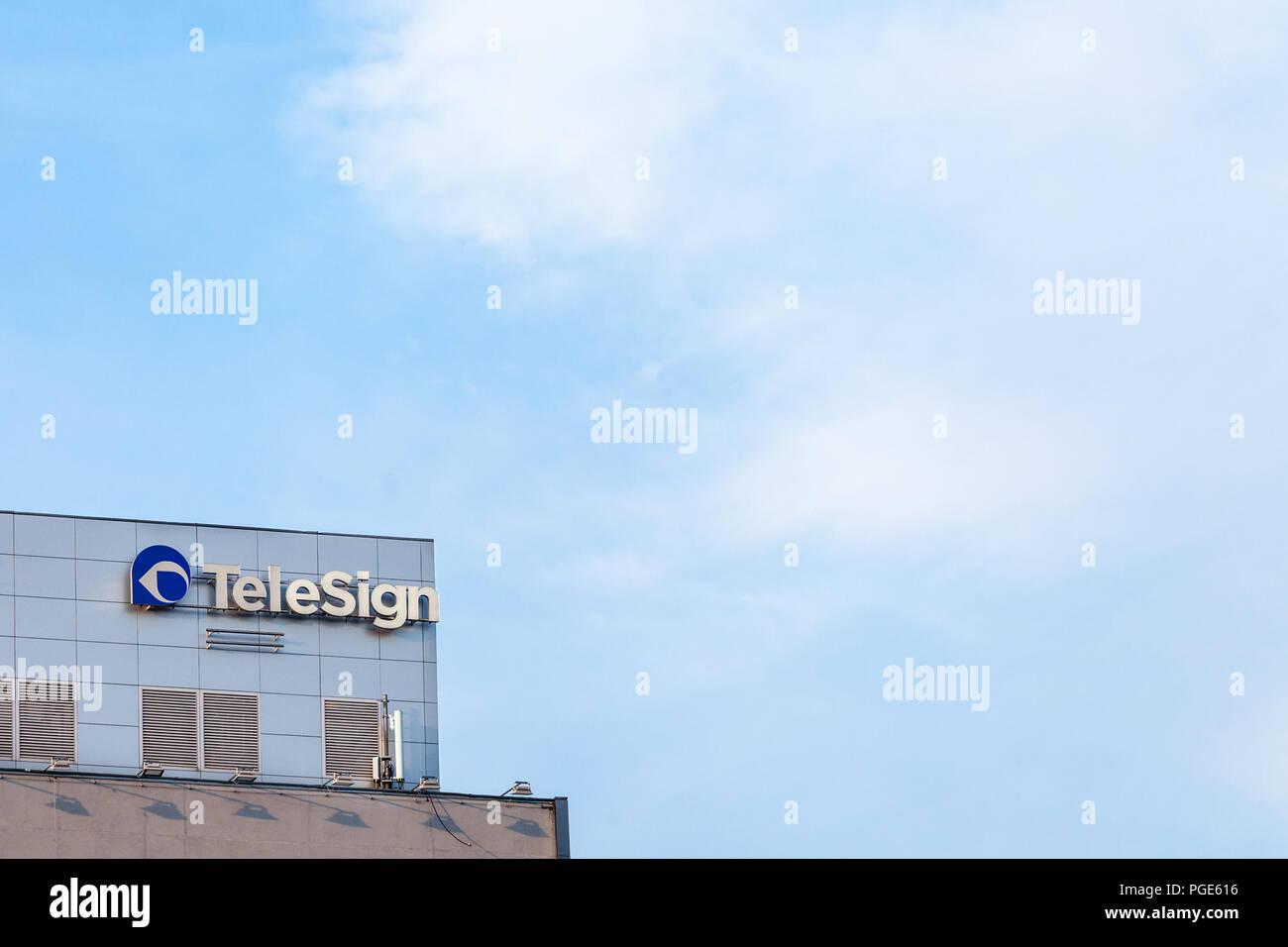 BELGRADE, SERBIE - août 21, 2018: Logo Telesign sur leur bureau principal pour la Serbie. TeleSign est une plate-forme de communications en tant que service (PaaS une entreprise Photo Stock