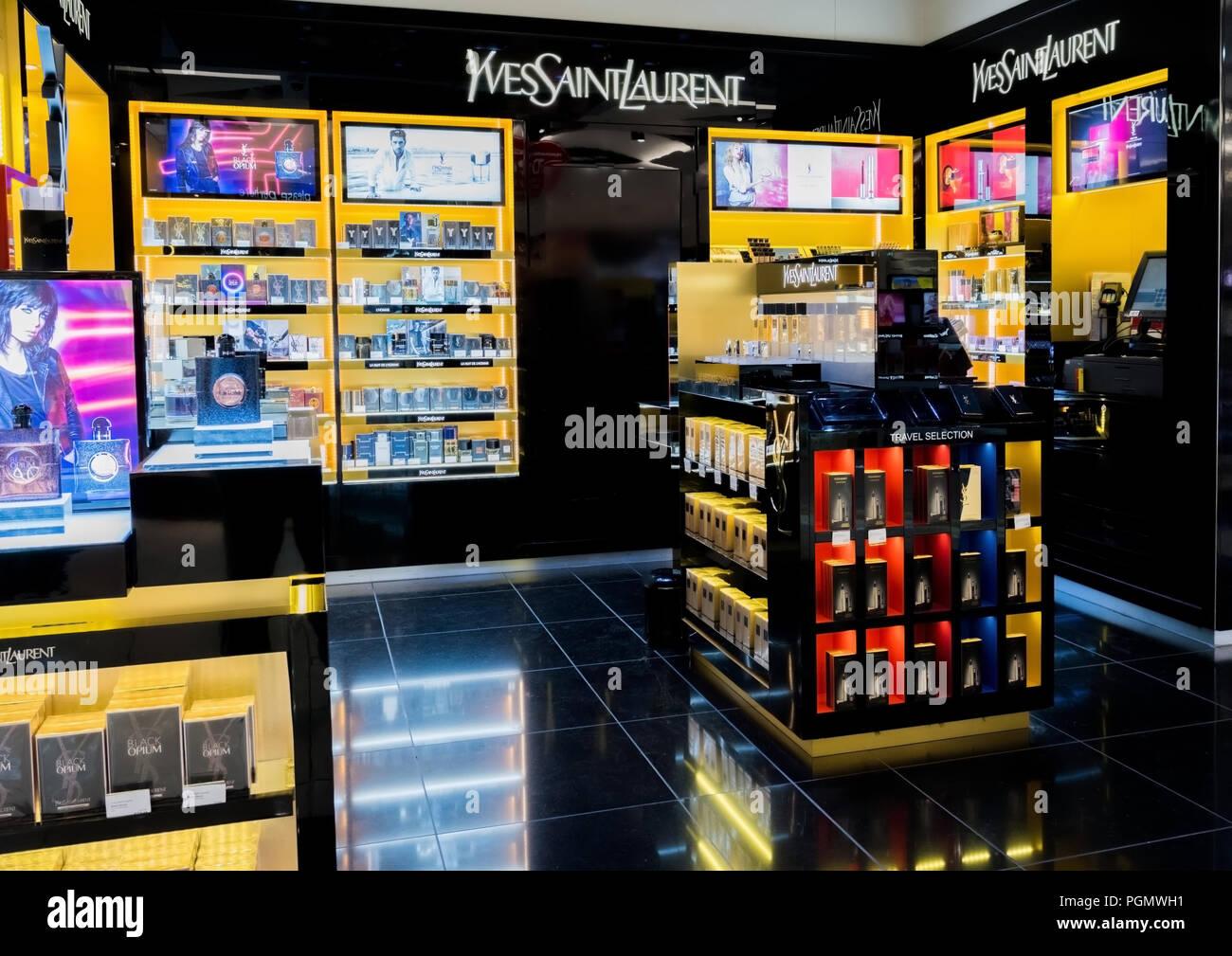 Saint Parfums Et Août 2018Yves Laurent Uni 31 LondresRoyaume rBWQxECoed