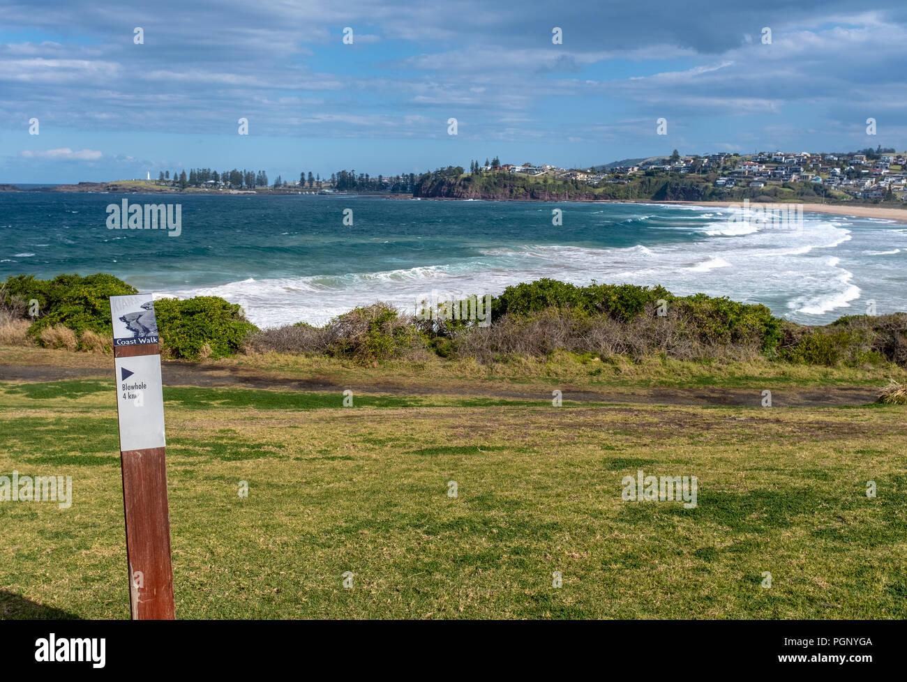 Kiama promenade côtière, sentier de randonnée, NSW, Australie. Vue depuis le phare de Bombo à Kiama Banque D'Images