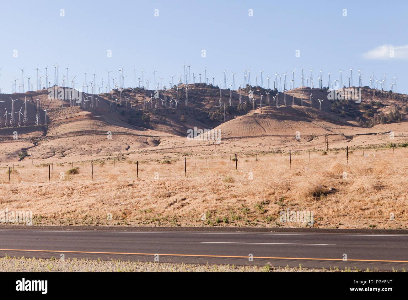 Les éoliennes à l'Alta (Centre d'énergie éolienne Parc éolien de Mojave) - Tehachapi Pass, California USA Photo Stock