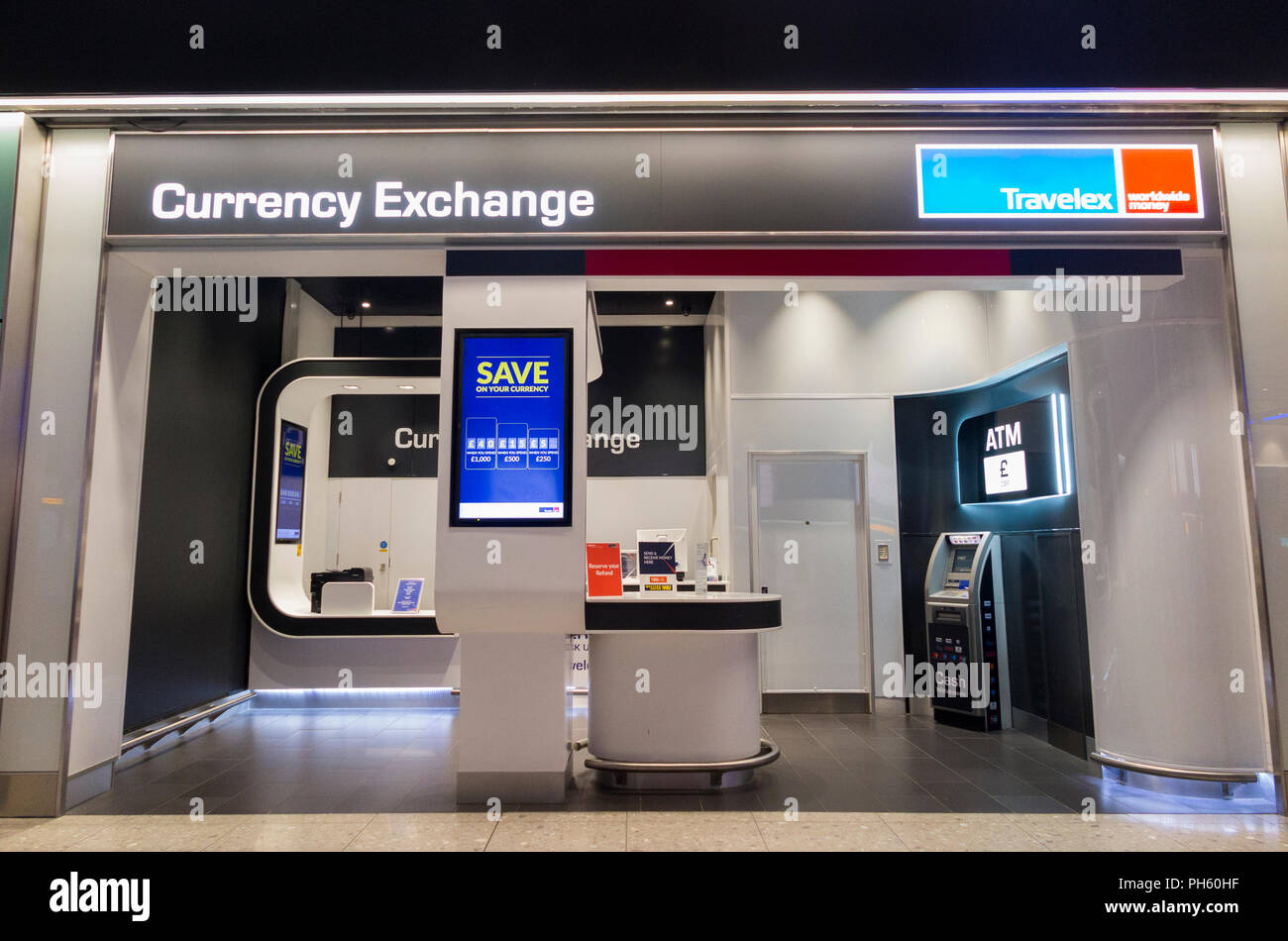 Airport atm photos airport atm images alamy - Bureau de change aeroport ...