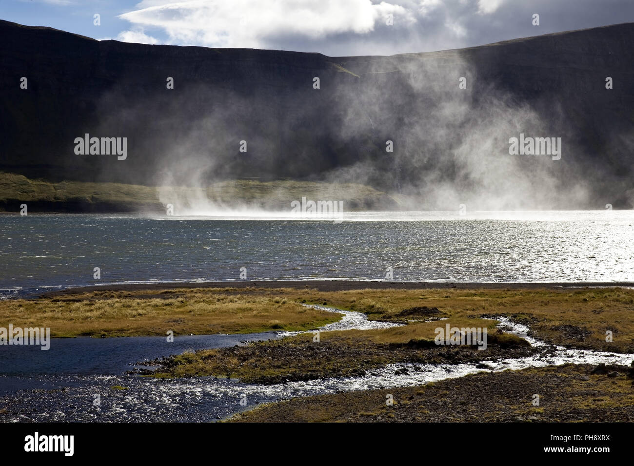 Le vent fort chez fjord, Gilsfjoerdur l'Islande Photo Stock