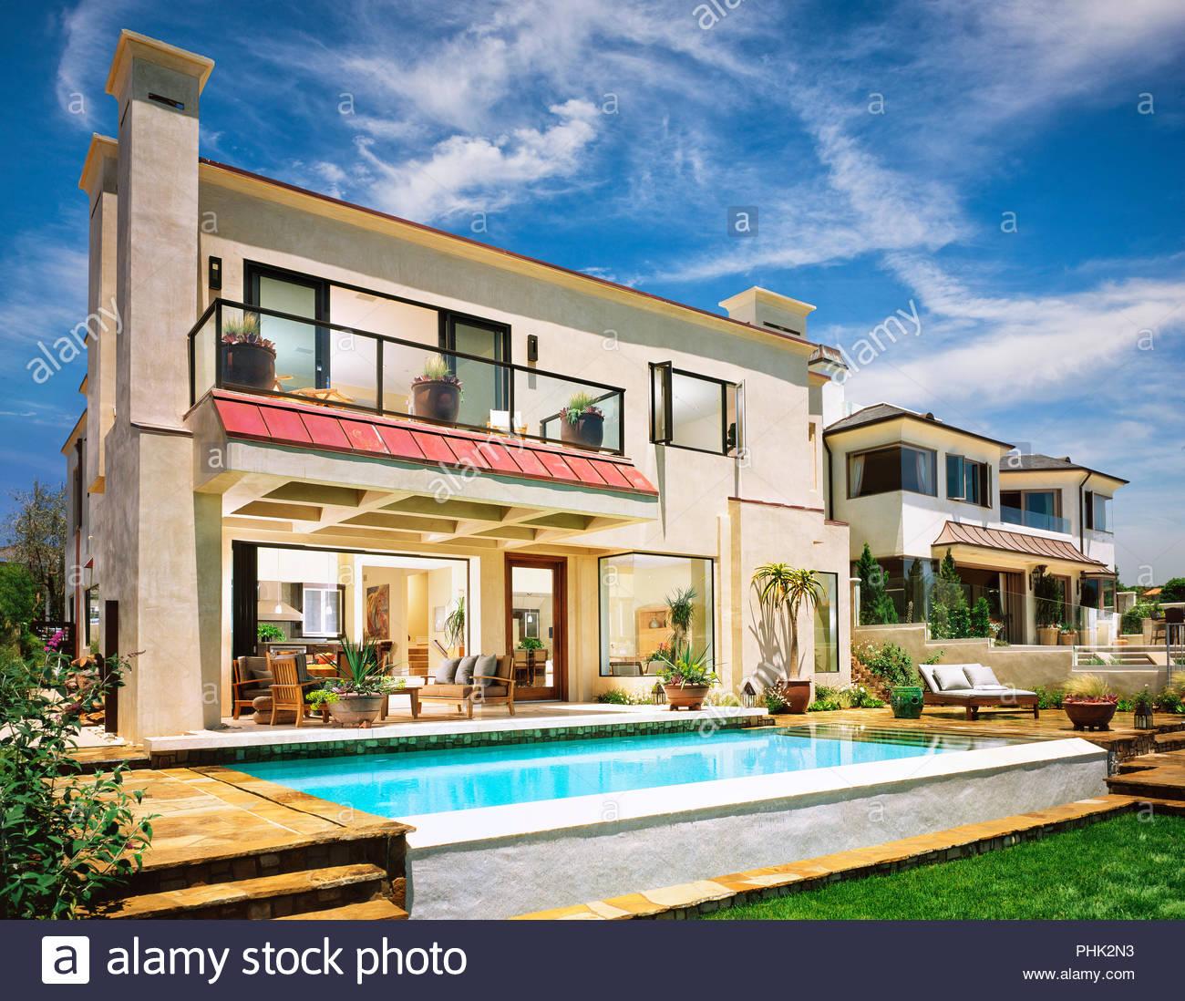 Maison avec piscine Photo Stock