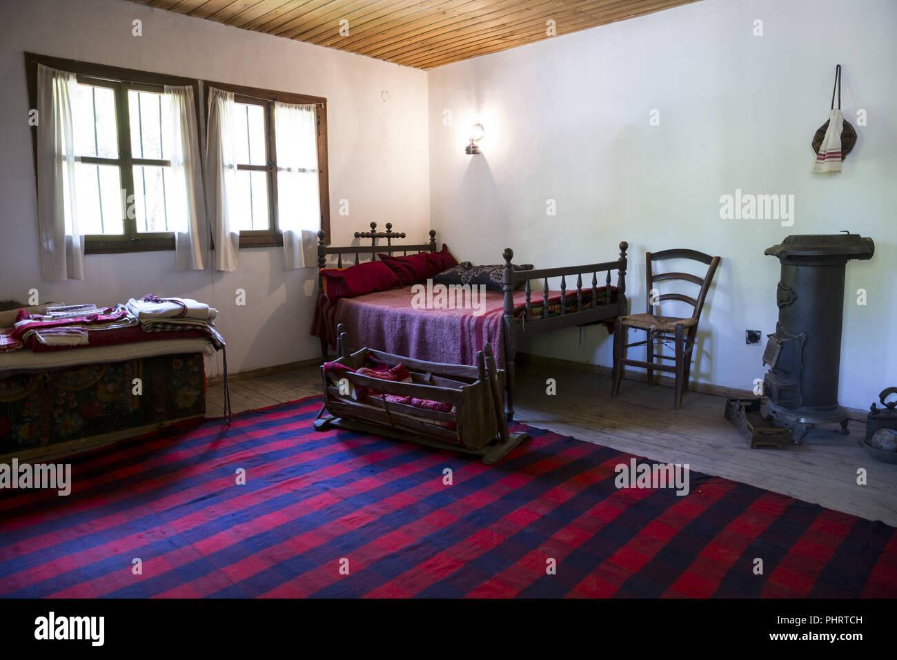 Ancienne chambre traditionnelle bulgare à l\'intérieur Banque ...