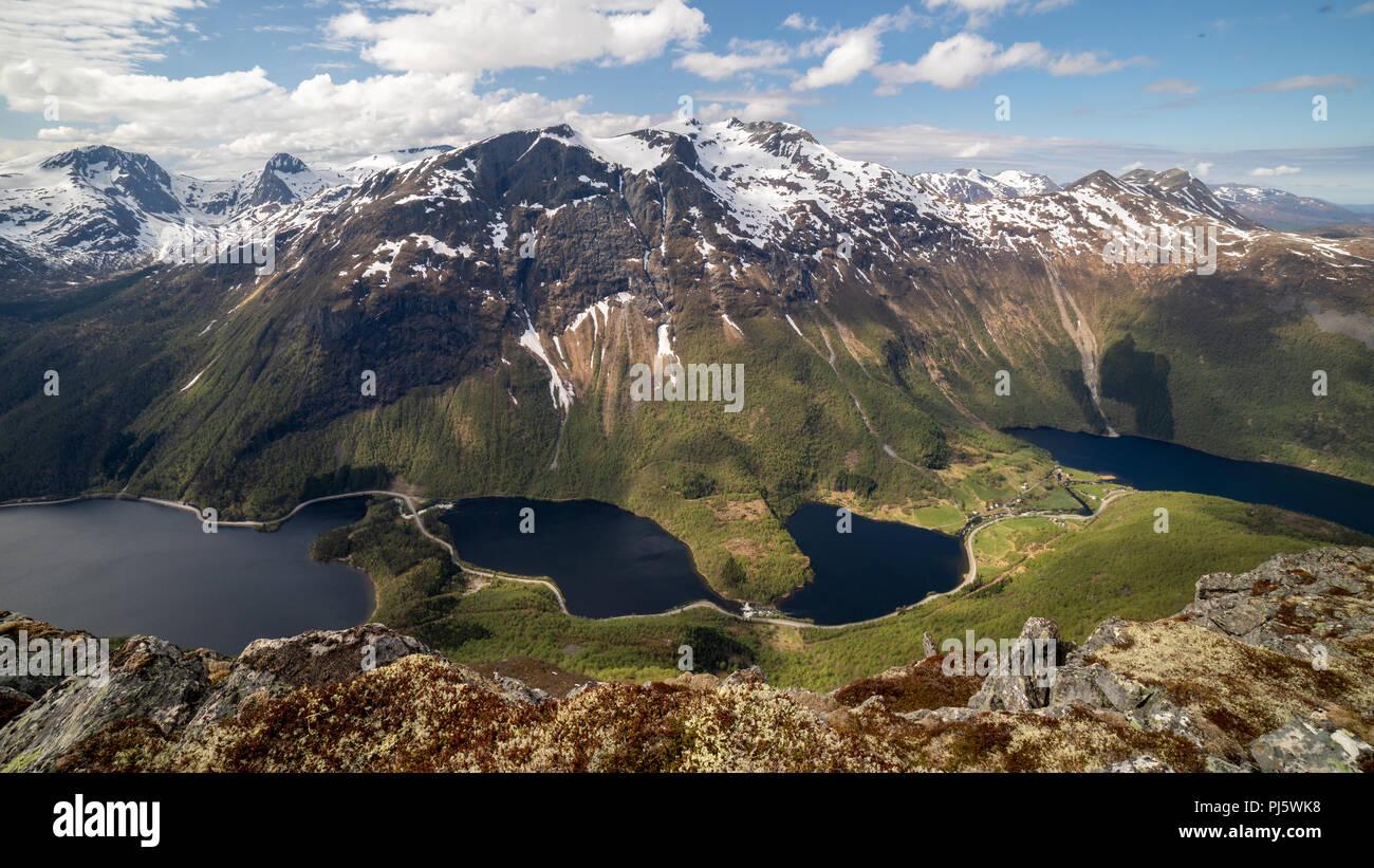 Dirdal montagnes comme vu du sommet du Keipen, Norvège Volda Photo Stock
