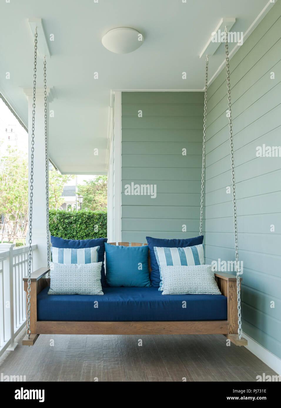 Terrasse Extérieure En Bois Balancelle Banc Avec Coussins Bleus