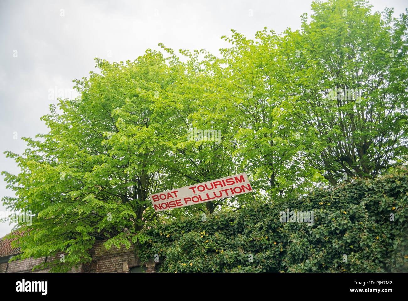 Signe de la pollution sonore tourisme Bateau à Gand, Belgique Photo Stock