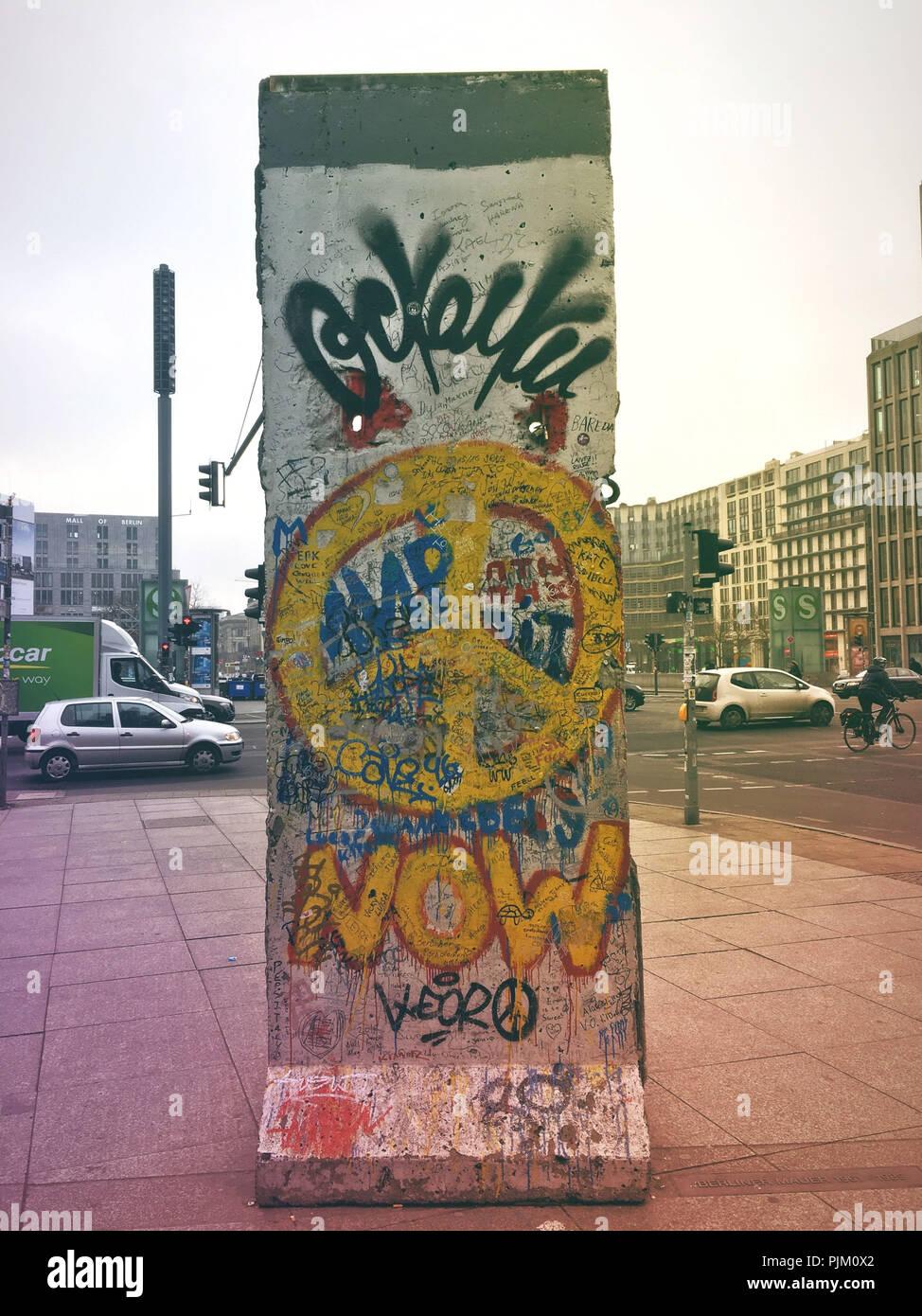 Mur de Berlin, des vestiges, des graffitis Photo Stock