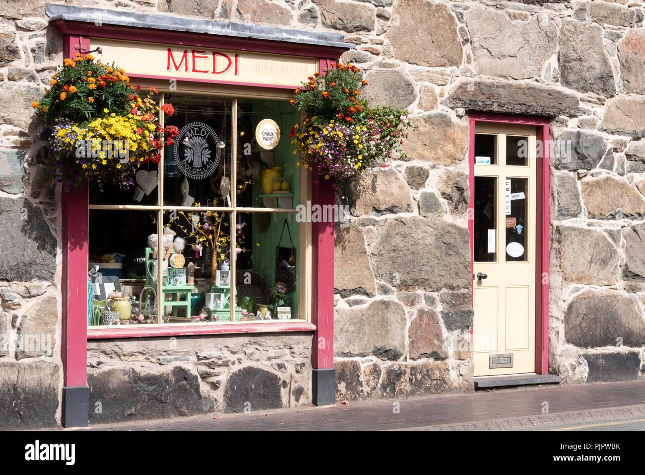Boutique sur la rue Bridge, Dolgellau Gwynedd au Pays de Galles Photo Stock