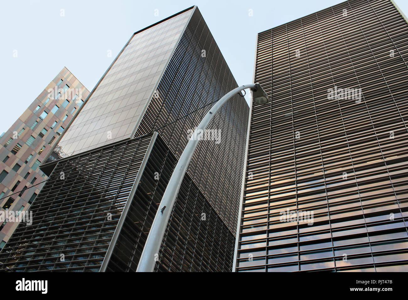 Détail des bâtiments dans le 22@ District de Poblenou, Barcelone, Catalogne, Espagne. Banque D'Images