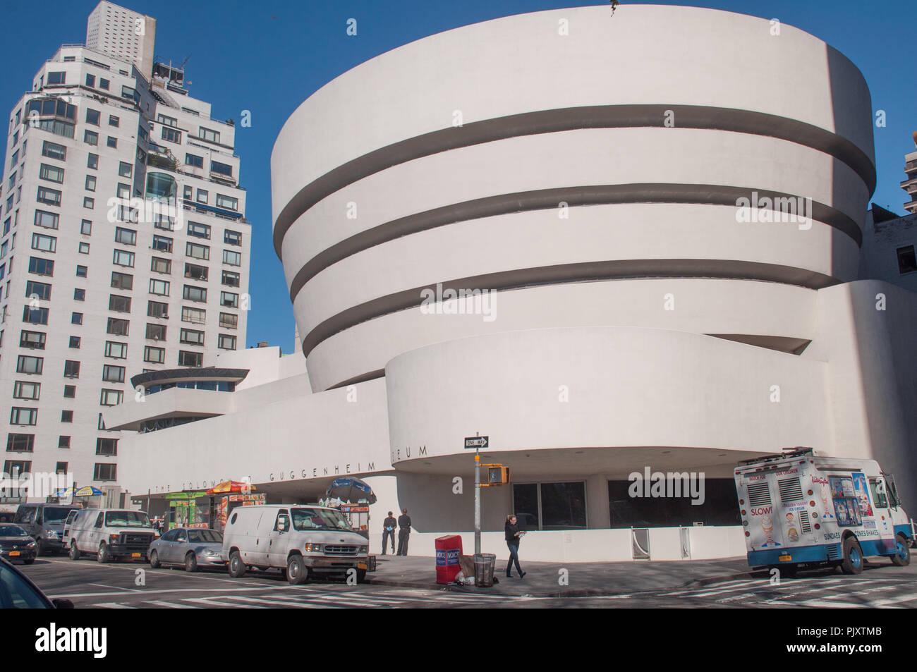 13 Apr 2016 - New York, USA: Musée Solomon R. Guggenheim sur la 5e Avenue. Banque D'Images
