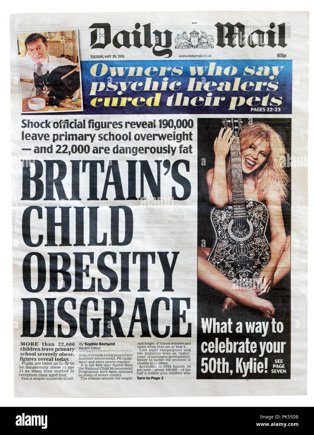 Première page du Daily Mail avec le titre de la Grande-Bretagne l'obésité infantile honte, sur le nombre d'enfants obèses ou qui font Photo Stock