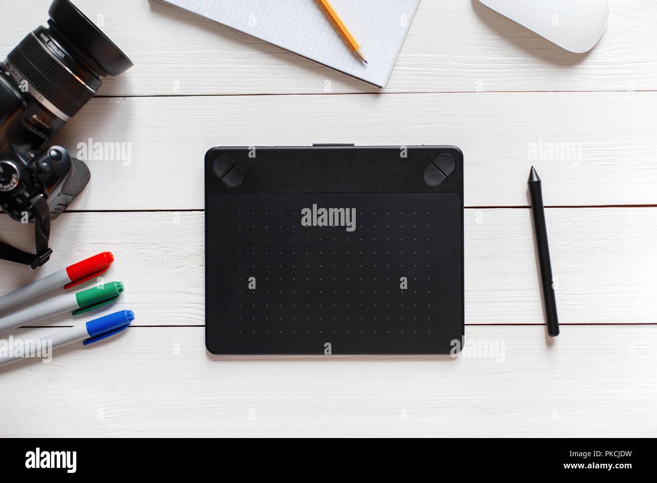 Concept de l artiste bureau tablette graphique souris appareil