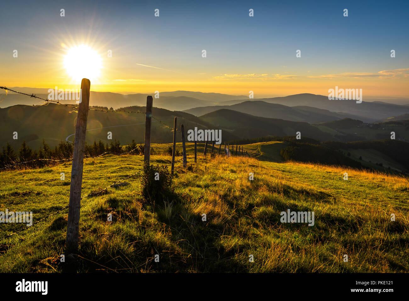 Lever du soleil dans les alpes Photo Stock