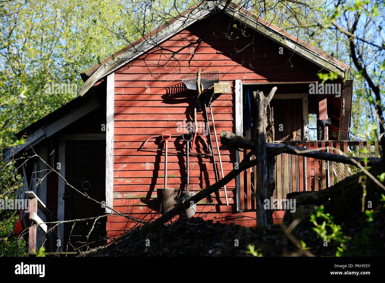 Cabane À Outils Bois jardin rouge petite cabane en bois et d'outils banque d