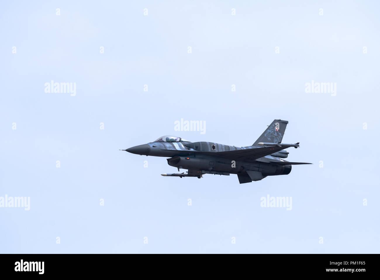 FAIRFORD, UK, 13 juillet 2018: une photographie de la documentation d'une armée de l'Air polonaise Lockheed Martin F-16C Fighting Falcon fighter aircraft affichage à RAF Fairf Banque D'Images