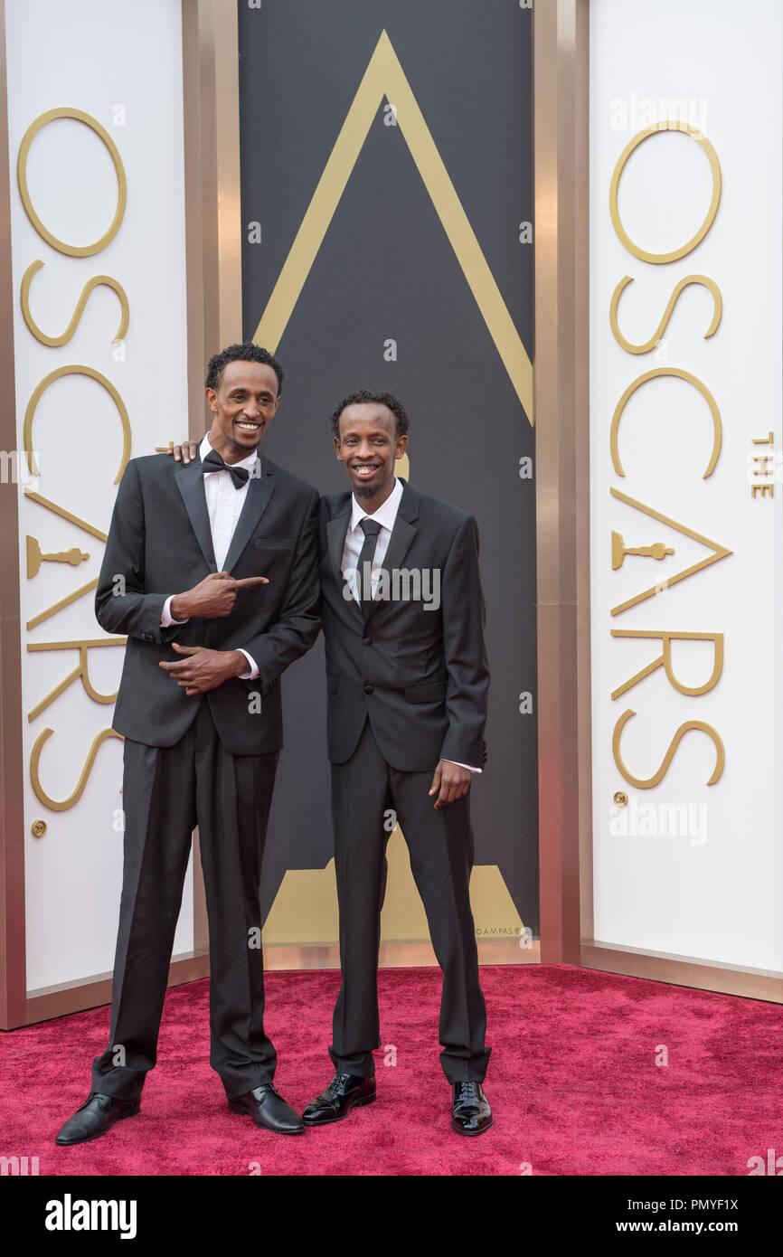 Oscar®-candidat Barkhad Abdi et client arrive pour la diffusion de l'ABC en direct 86e Oscars® au Théâtre Dolby®, le 2 mars 2014 à Hollywood, CA. Référence de fichier # 32268_063 pour un usage éditorial uniquement - Tous droits réservés Photo Stock