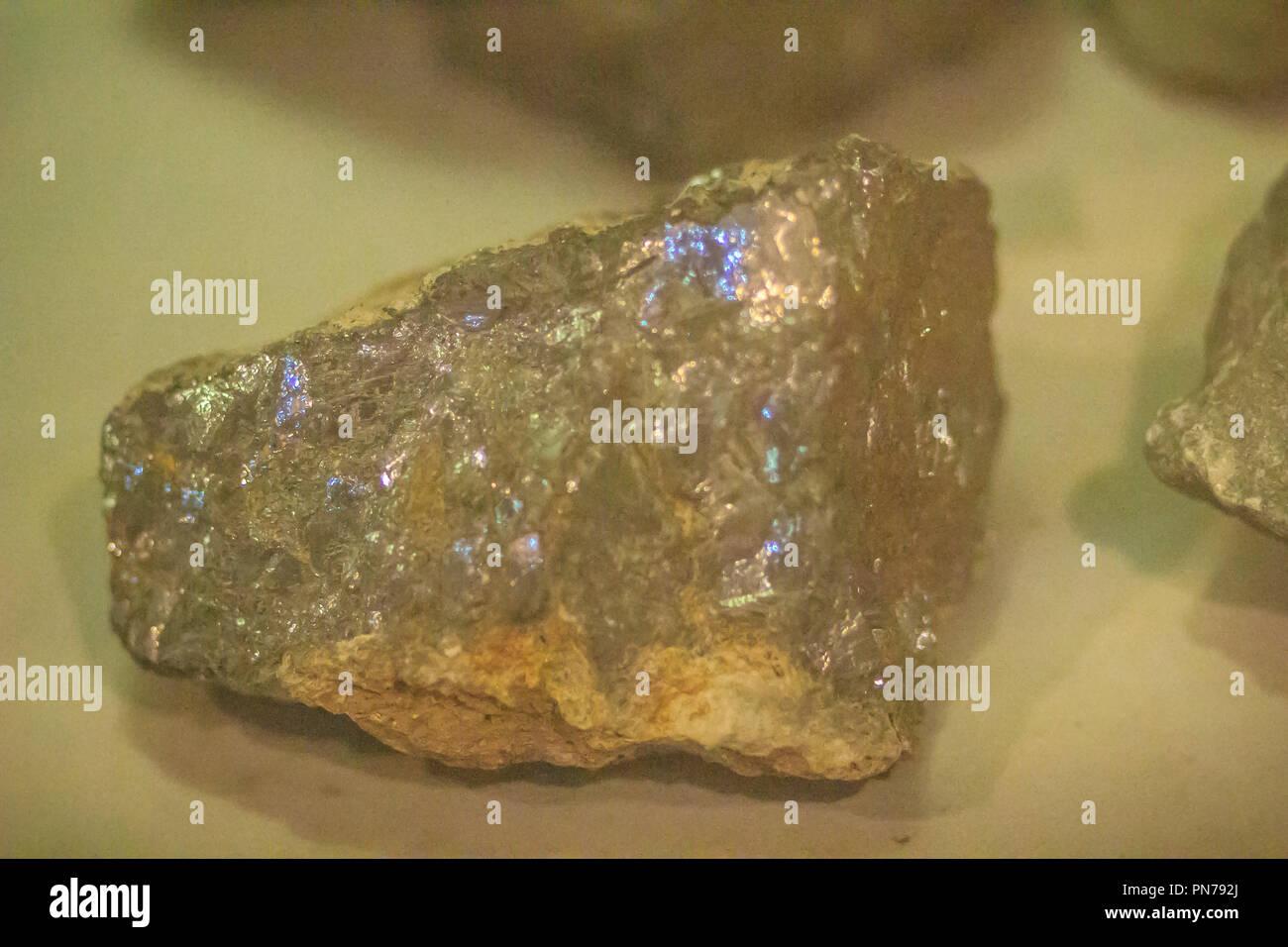 Spécimen de galène rock industries des mines et des carrières. La galène ou entraîner d'œil est le minéral naturel sous forme de sulfure de plomb. C'est le plus important Banque D'Images