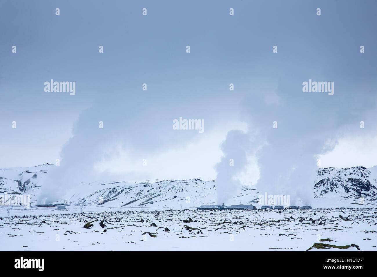 L'augmentation de vapeur à puissance Natturunn SUR Orka, l'énergie de la nature, l'énergie verte l'énergie renouvelable centrale géothermique, Reykjavik, Islande Du Sud Photo Stock