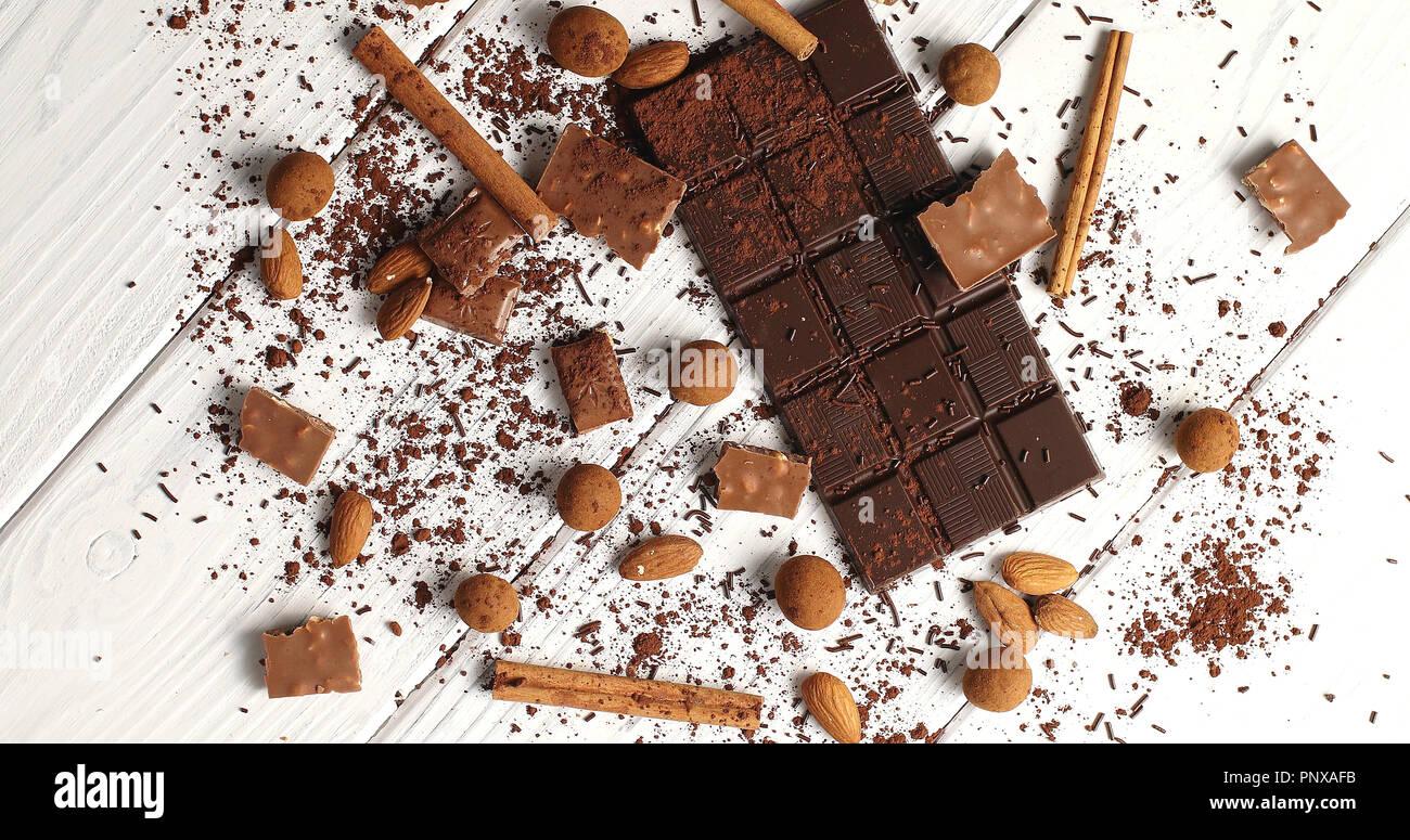 Composition du chocolat noir et au lait d'épices Photo Stock