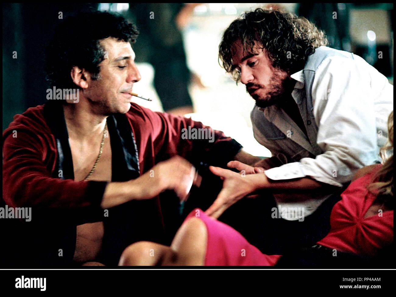 Prod DB © Killer Films - Lions Gate Films / DR WONDERLAND (WONDERLAND) de James Cox 2003 USA / CAN avec Eric Bogosian et Val Kilmer fumer, voler Photo Stock