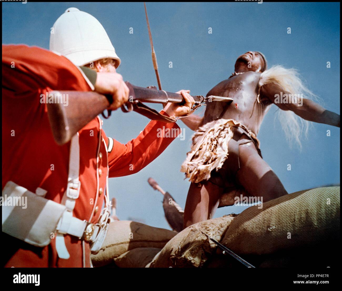 Prod DB © Diamond Films / DR ZOULOU (ZULU) de Cy Endfield 1964 Go direction militaire anglais, britanique, bataille, afrique, guerre, champ de bataille, combat, baionnette Photo Stock