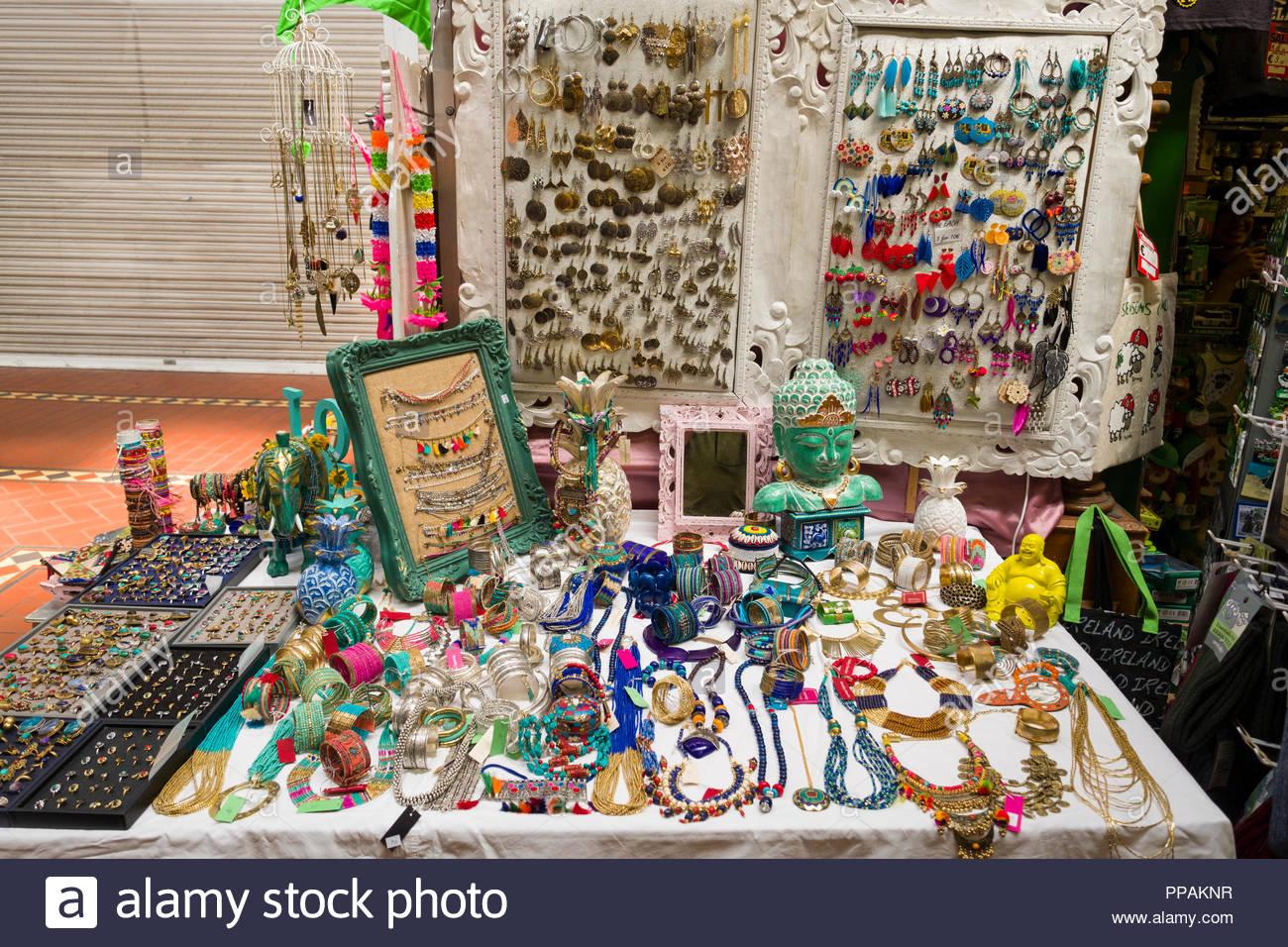 Bijoux en vente à l intérieur de George s Street Arcade, Dublin, Leinster, 06eb6be75cb7
