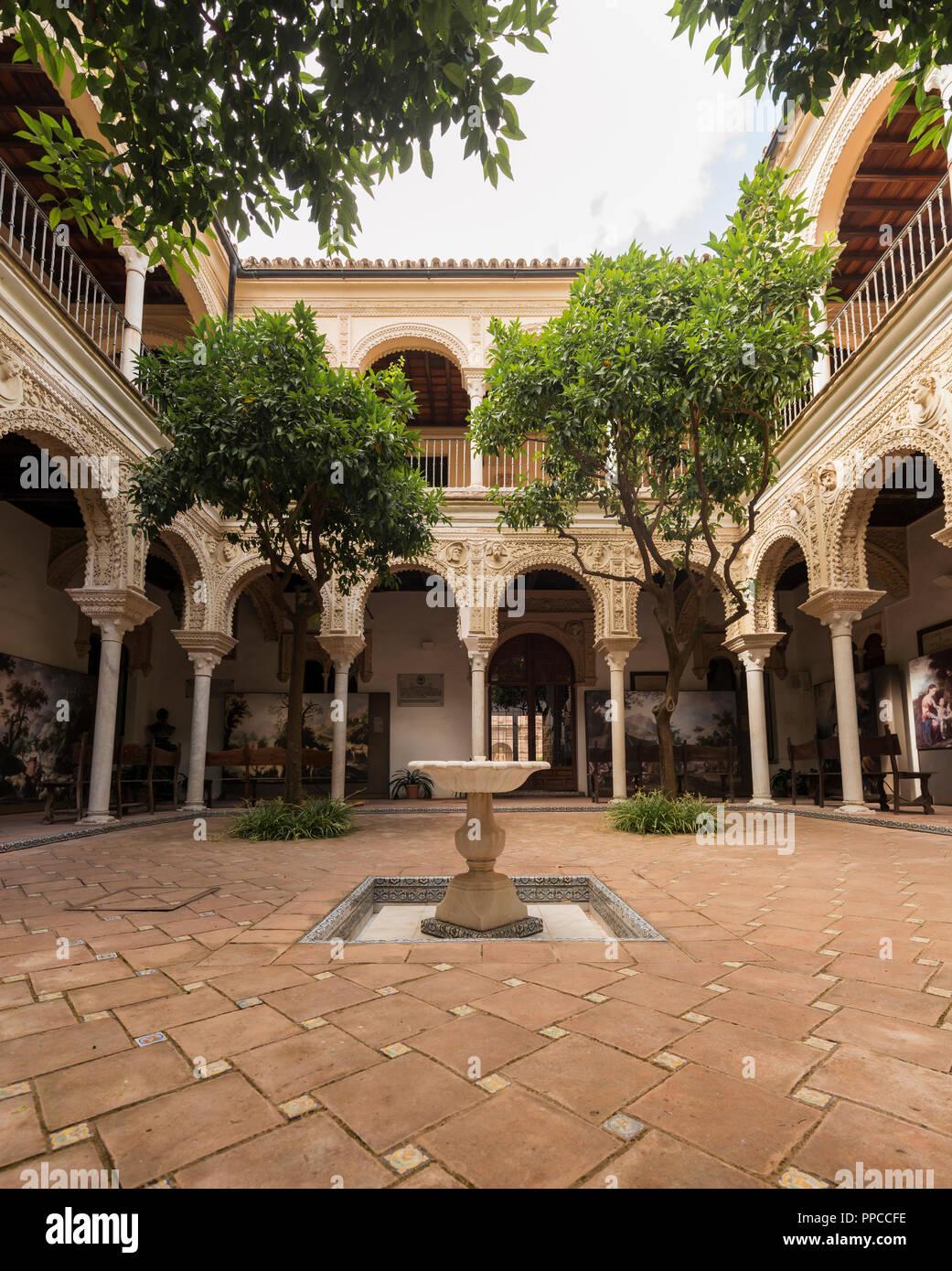 Cour avec portique, architecture arabe, Casa de los Pinelo, Andalousie, Espagne Photo Stock