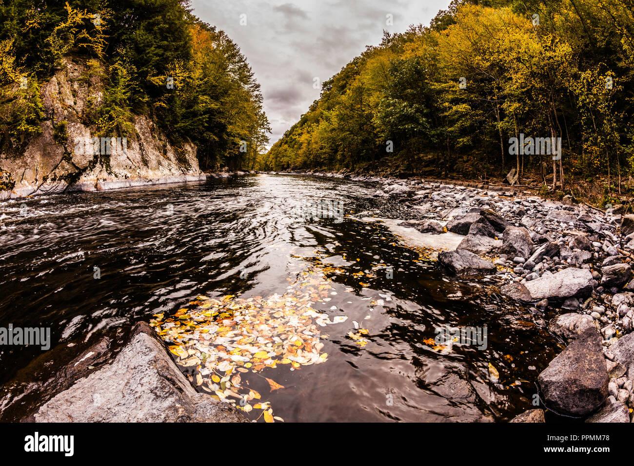 Farmington River Tubing Photos & Farmington River Tubing