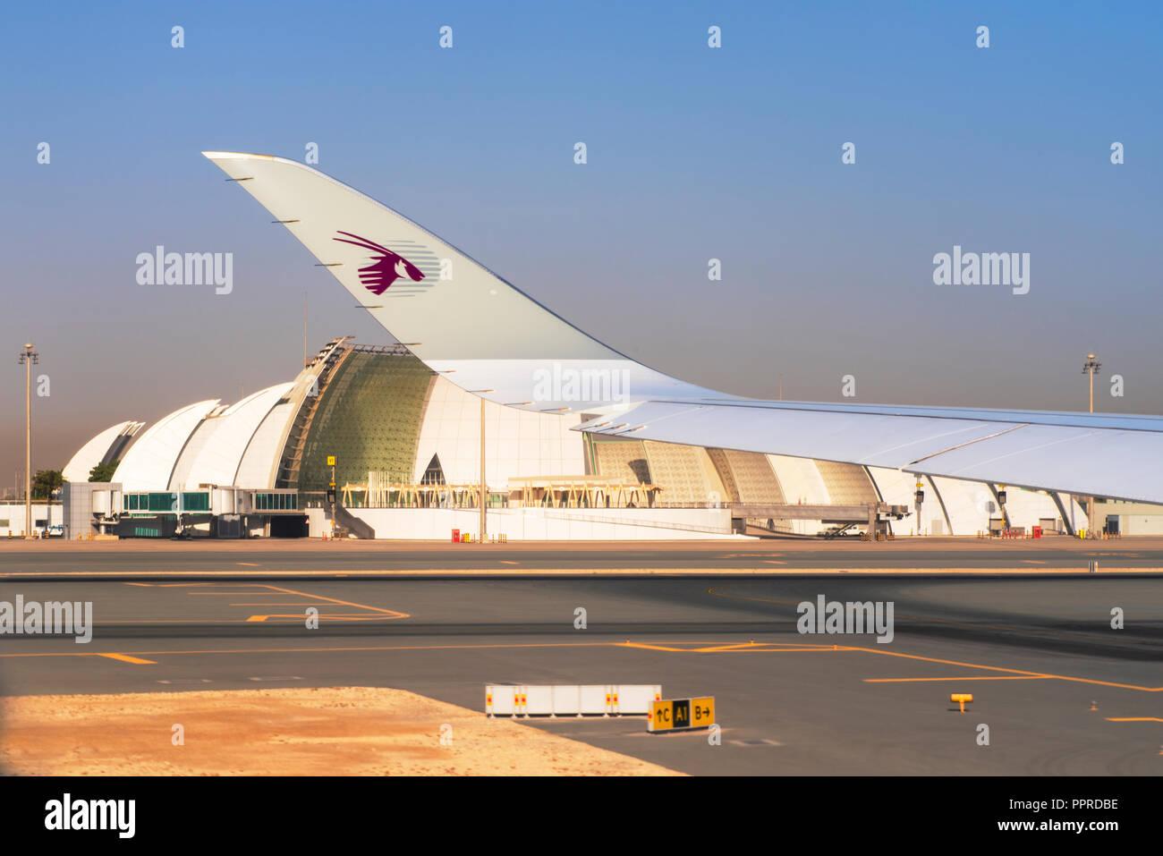 DOHA, QATAR -04 août 2018- Les avions de Qatar Airways QR sont alignés à l'Aéroport International Hamad DOH à Doha, le moyeu pour transporteur national Banque D'Images