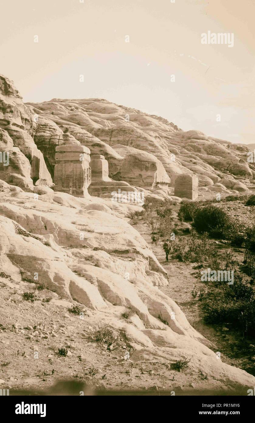 La Cisjordanie. Petra. Pylônes près de Bab-es-Sik. 1898, Jordanie, Petra, la ville disparue Photo Stock