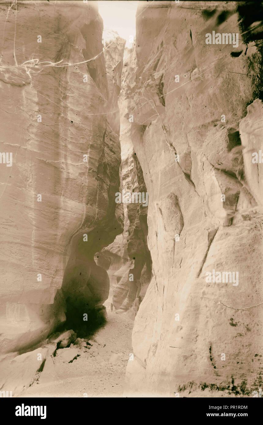 Petra. Sik et premier aperçu de Temple d'el-Khazneh. 1898, Jordanie, Petra, la ville disparue Photo Stock