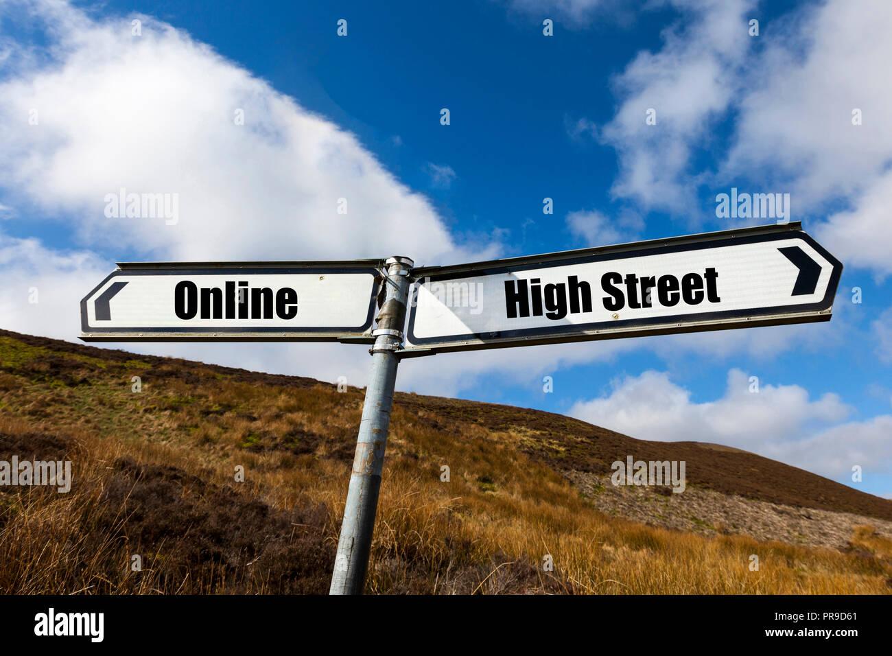 En ligne, High Street, shopping, concept, achats en ligne, des magasins de la rue Haute, mourir high street, UK, l'achat, l'achat en ligne, achats, avenir, shop Photo Stock